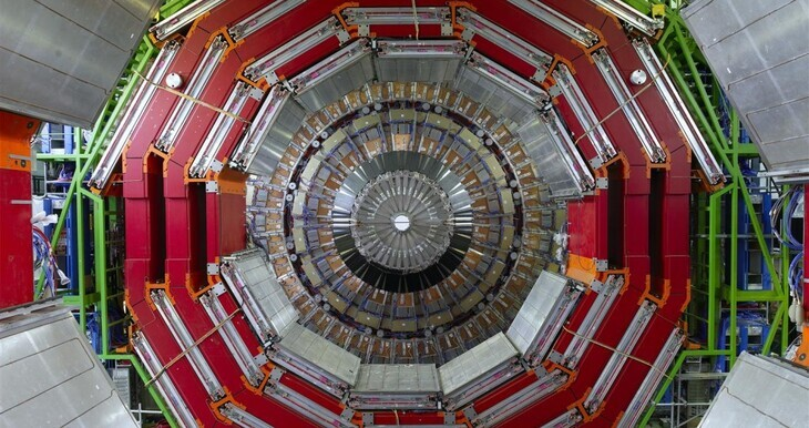 View of the innermost endcap disc of the CMS tracker, Muon chambers of the CMS Detector
